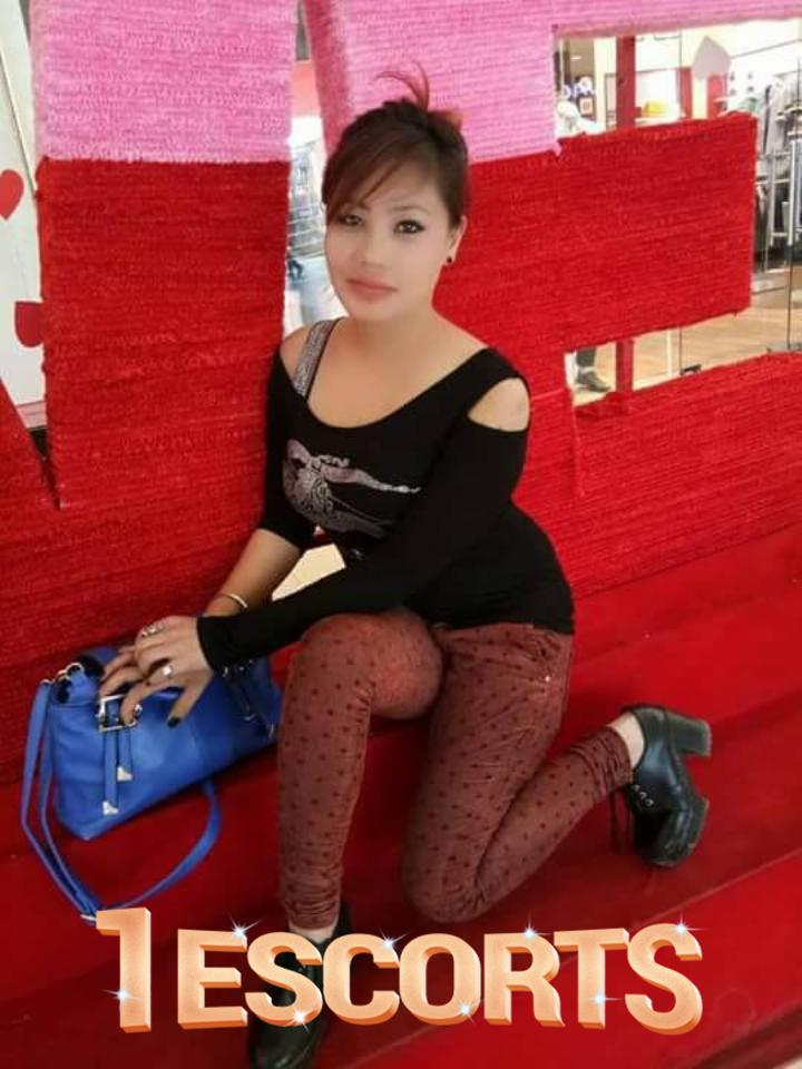 Komal escorts service provider in Surat call me now for booking  -1