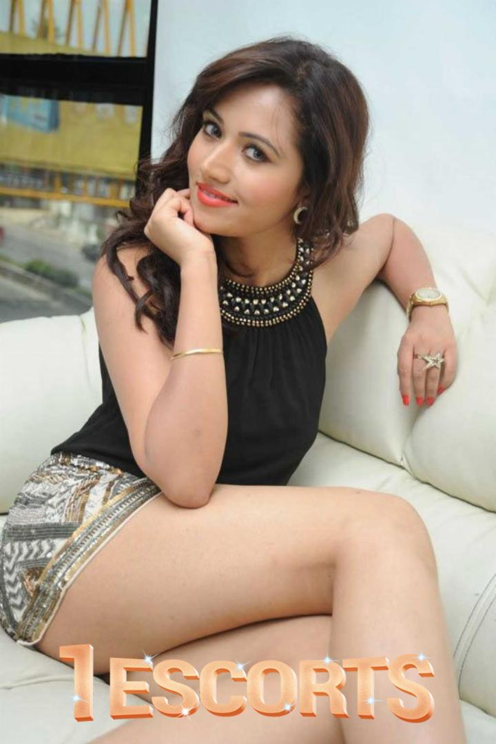 INDEPENDENT CHEMBUR YOUNG COLLAGE GIRLS WITH A PERFECT FIGURE AND A TOUCH OF FRESHNESS -1