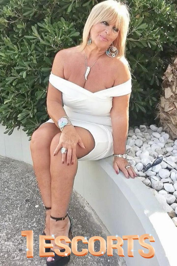 Milkmaid Stacy -1