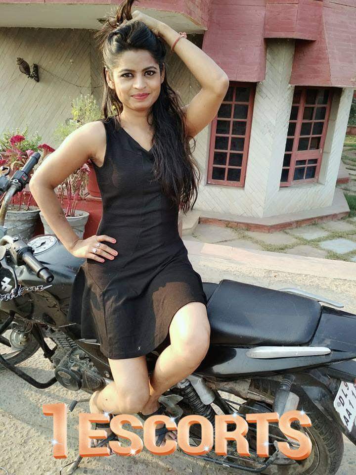 Sexi girls college girl available model thane -1