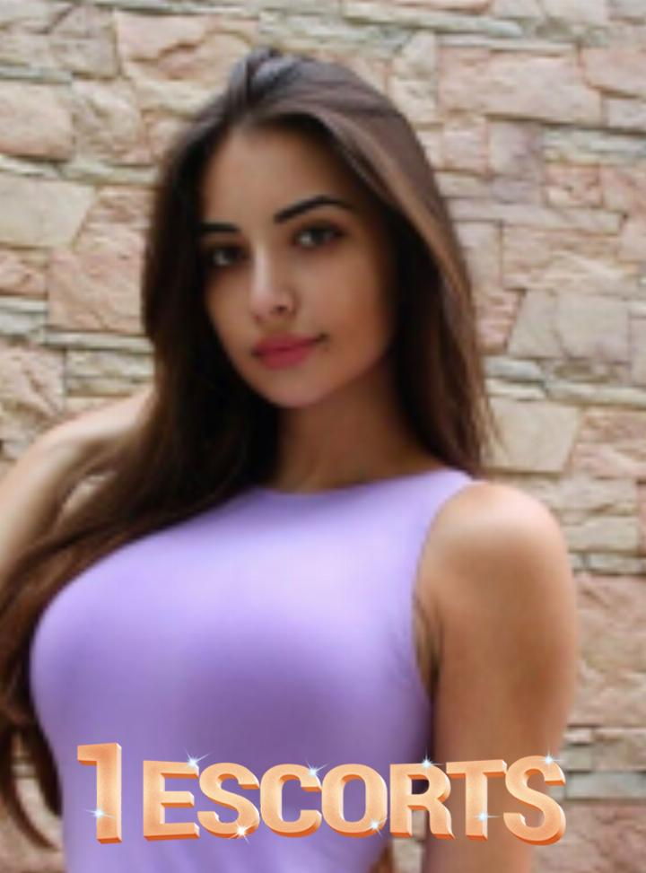 Zania indian escort in dubai  -1