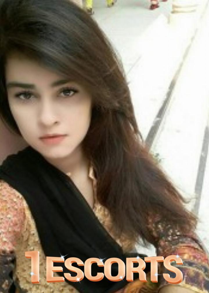 Indian Girls in Bur Dubai  -1