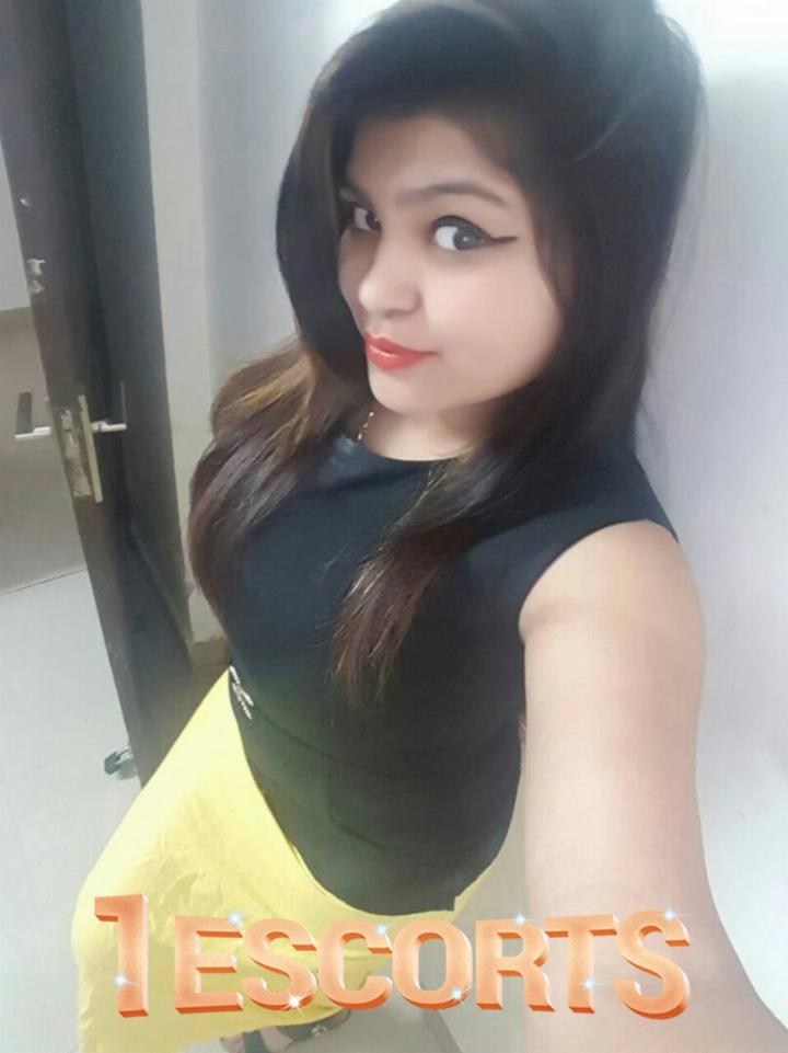 Royal Classical Female XXX Call Girls Escorts Services in Ghaziabad Call Me Guys -1