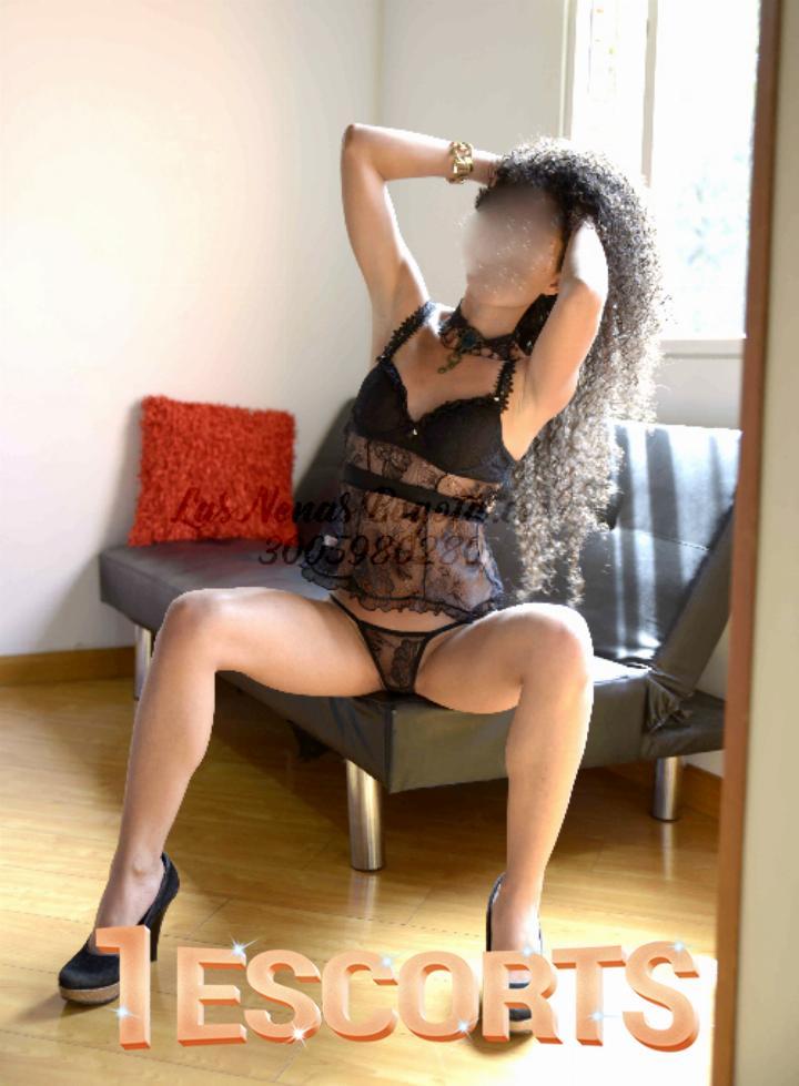 Manuela doll face delgada buen servicio thin lady good service -2