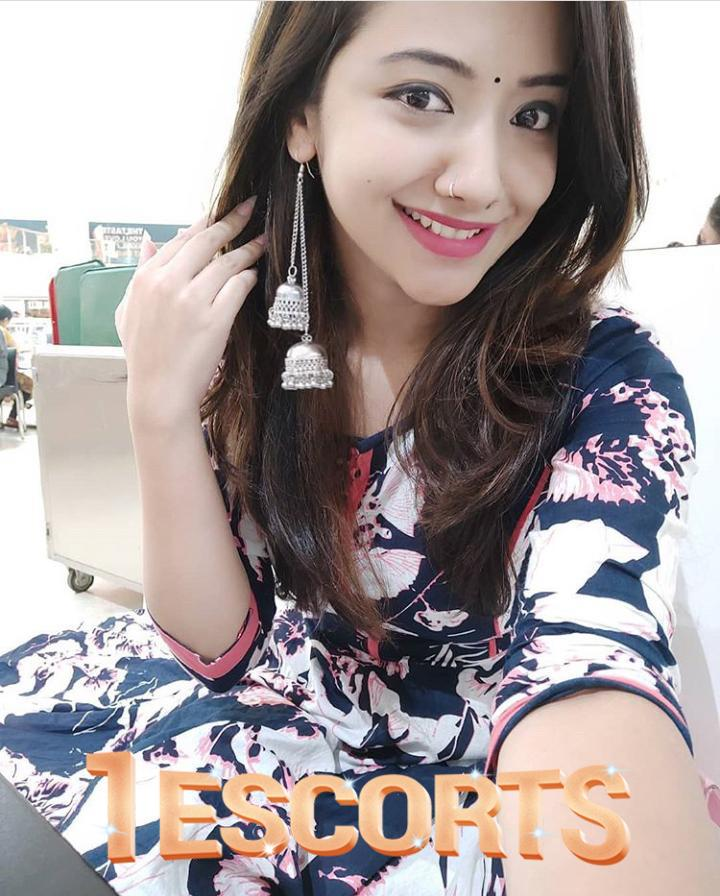 hot sexy indian model collage girls available escorts service in all vadodara  call now anjna  -1