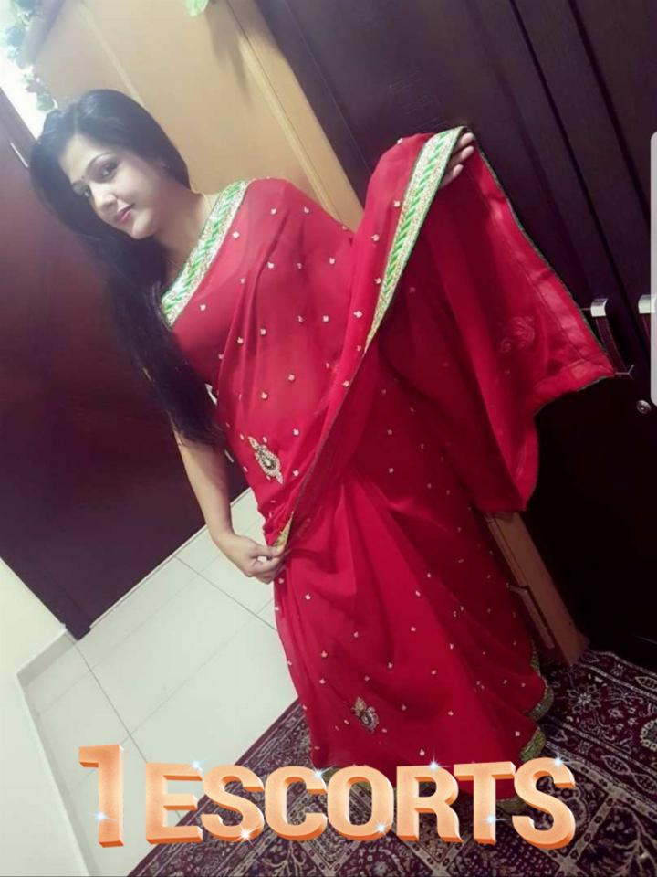 Indian House Wife Escorts In Doha Qatar -1