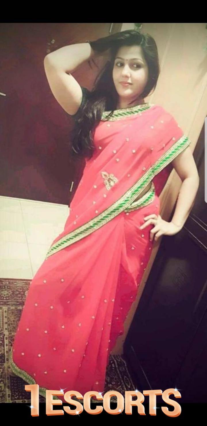 Indian House Wife Escorts In Doha Qatar -2