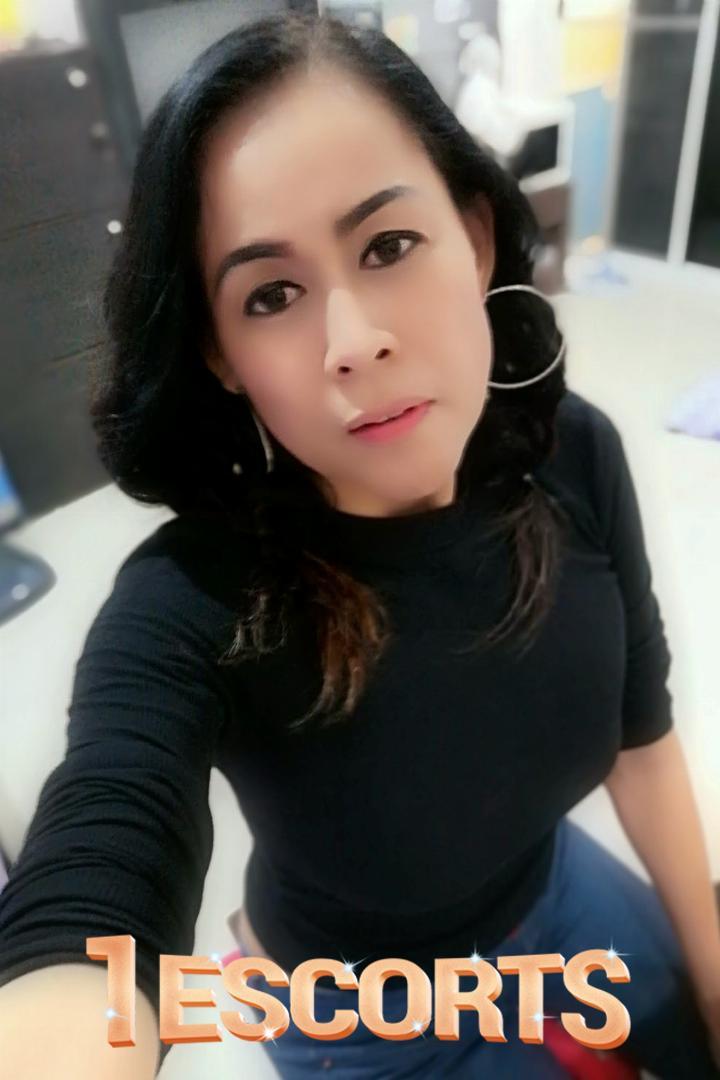 Cherry Thai Bangkok Hot Escorts -2