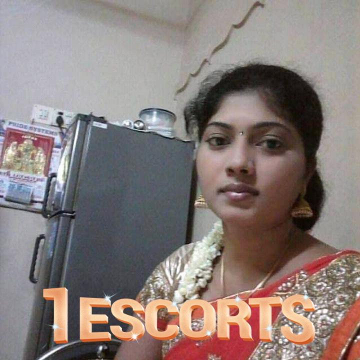 Tamil auntys and house wife and collage girls -1