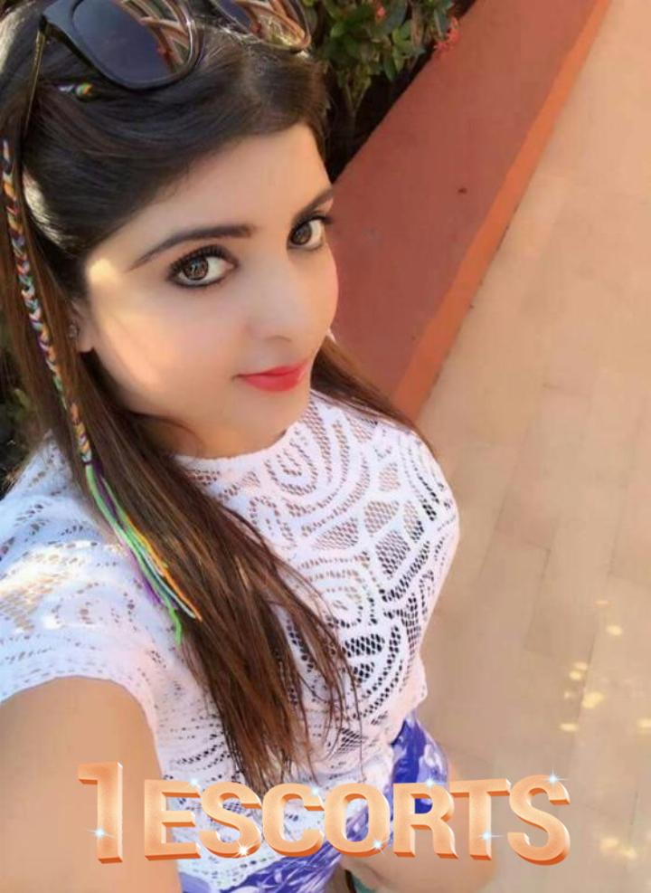 Hi profile deshi girl in Ahmadabad call jyotika Pari  -1