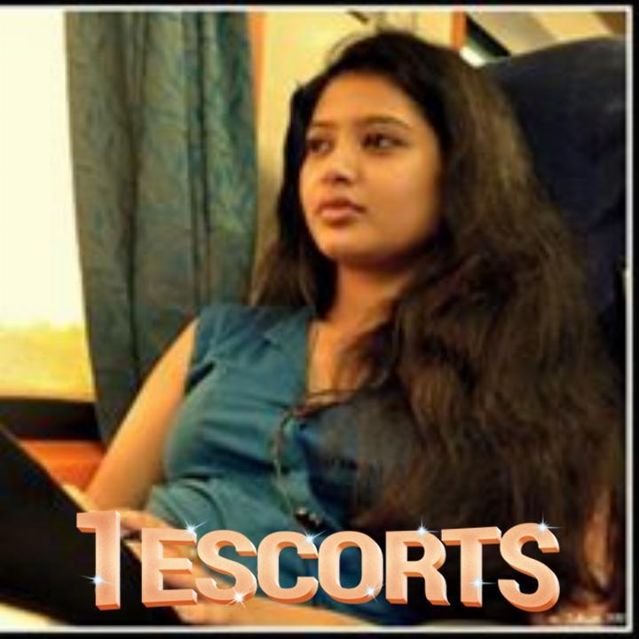Kolkata Hot Beauty Independent Model escort -1