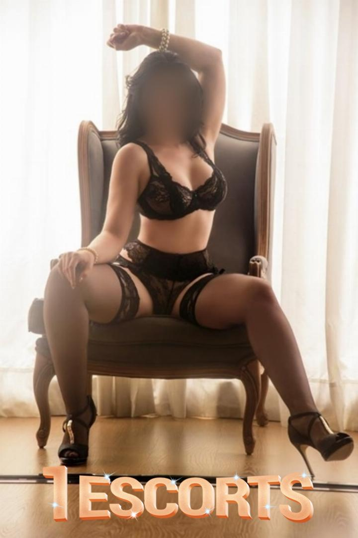 Independent Female Escort Tugba Senturk -3