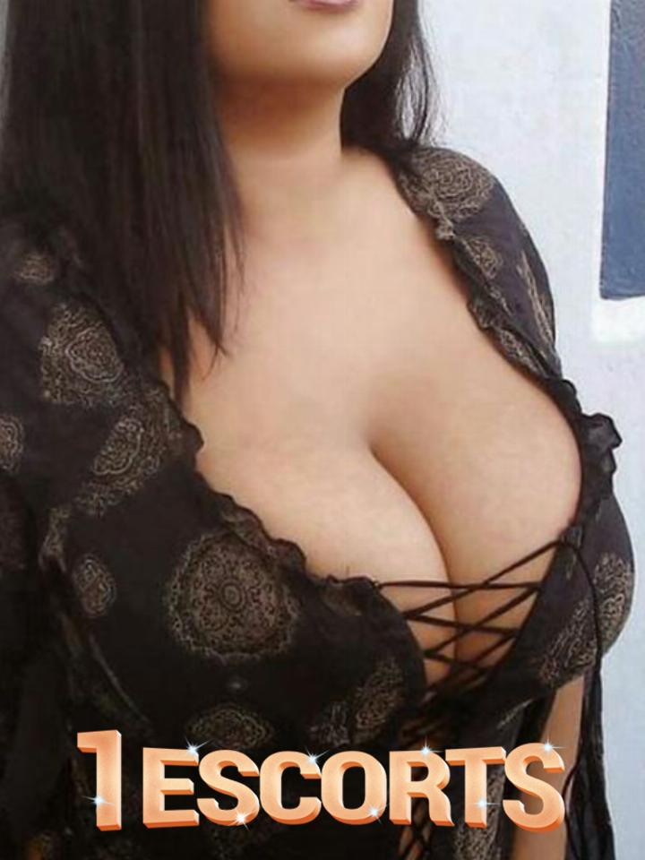 Escorts Model Collage Girl house wifecall girls in Noida Ext -1