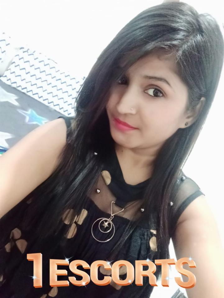 Mumbai Escort Juhu J W Marriot Novotel Sun N Shine Ramee Out Call Ms Tanya Khanna -3