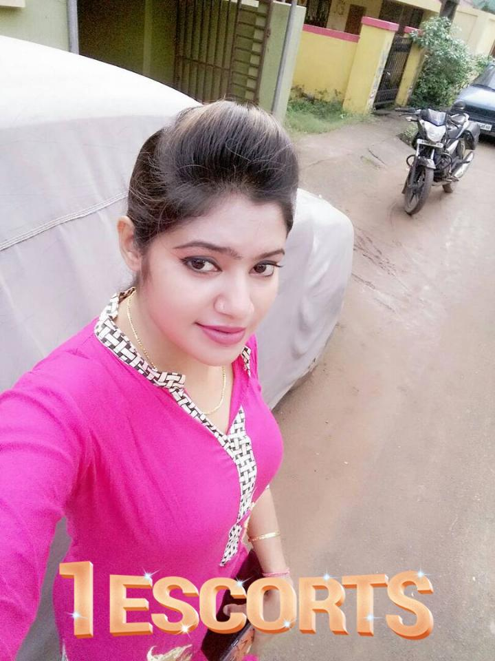 CALL GIRLS SERVICE CALL NOW 9 8 9 2 1 1 9 2 1 9 AHMEDABAD  -1