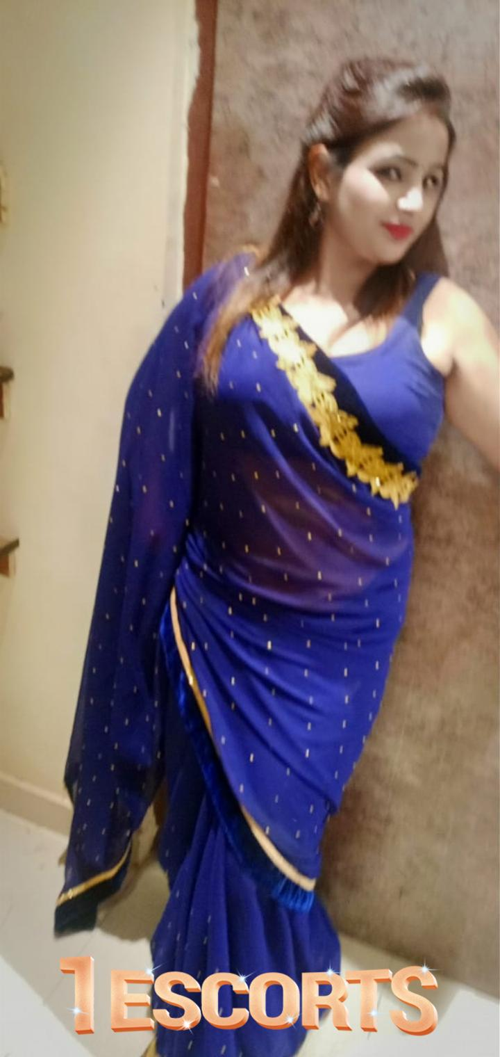 Low Price Call girl Noida Escort service Real Housewife -3