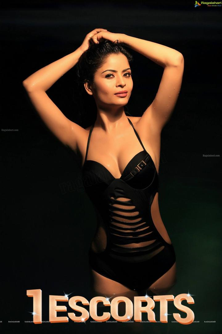 Number one female escorts with Hot college girls in Genuine Price anytime call us for more enjoyment -1