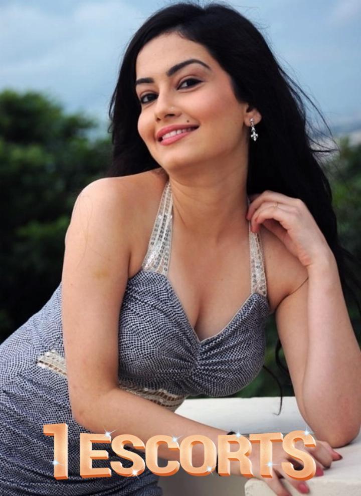 Falguni Sexy Indian Escorts in Bahrain 971581717898 -1
