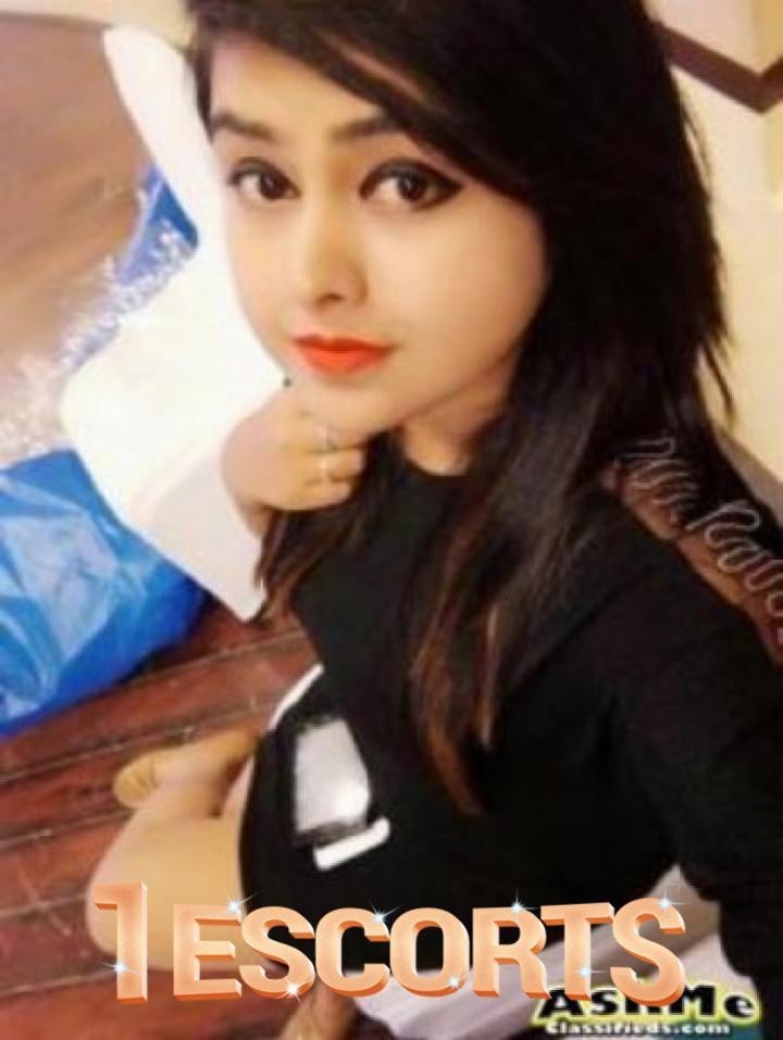 Delhi Call girls Delhi Escorts amp Massage  Vivastreet -1