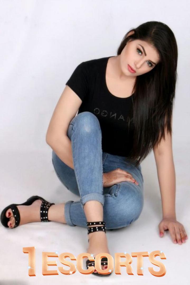 Zoora khan Escorts In Dubai  -1