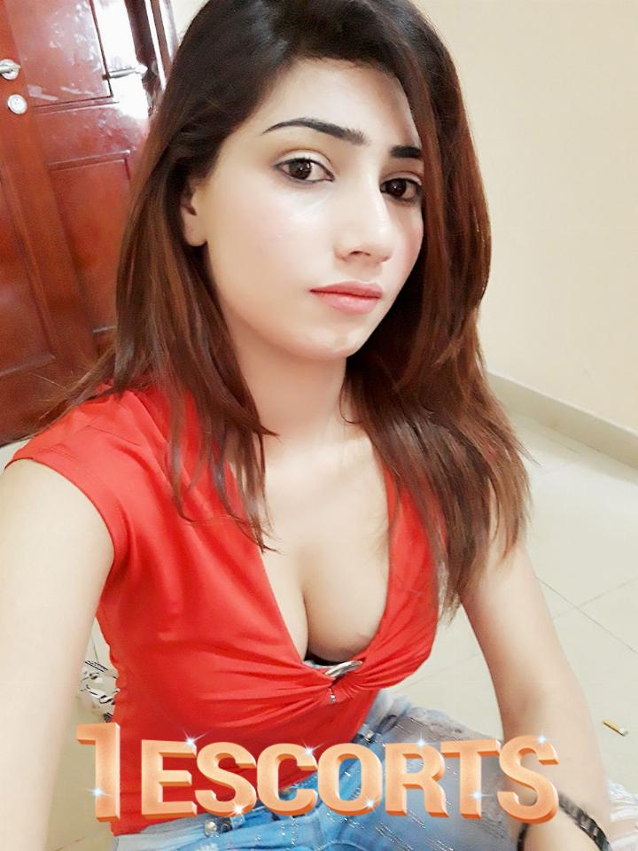 Neha Indian Call Girl in Oman 96894880193 -1