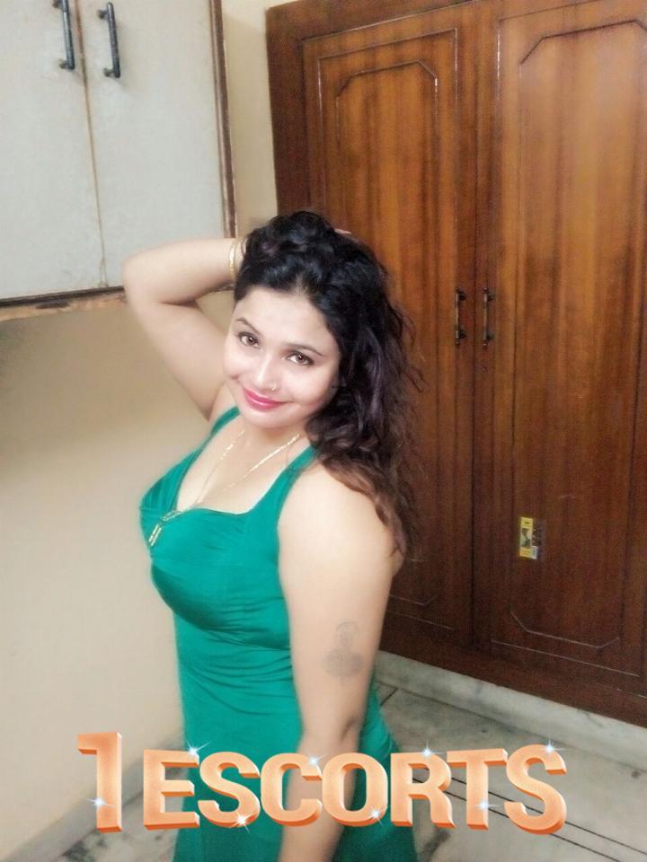 7047524545 CALL-  SNIGDHA  for genuine call girl service  in siliguri  -6
