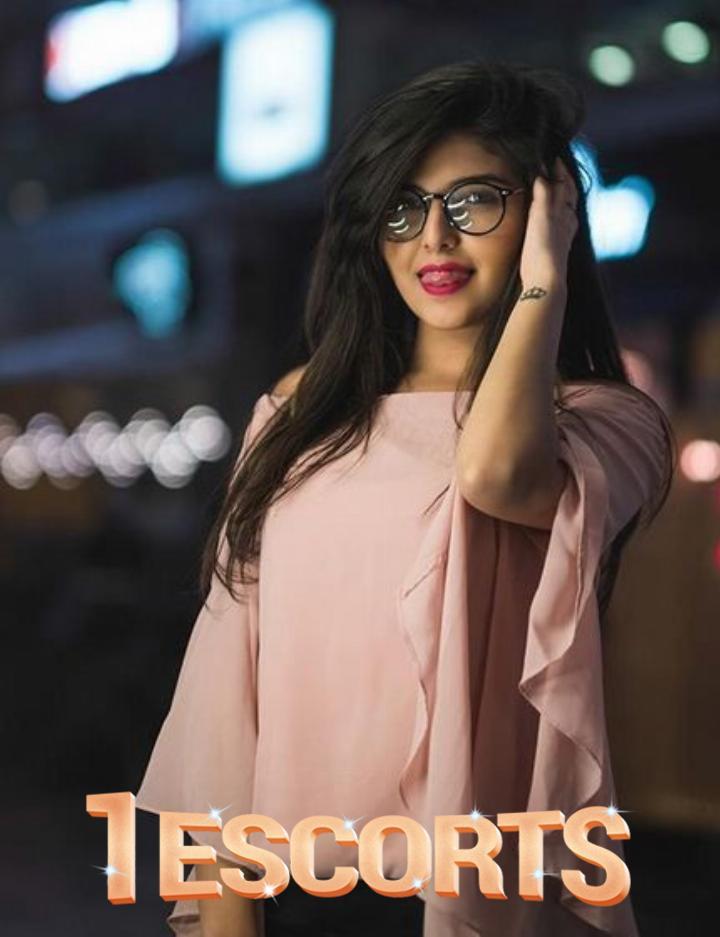 Naila Khan -3