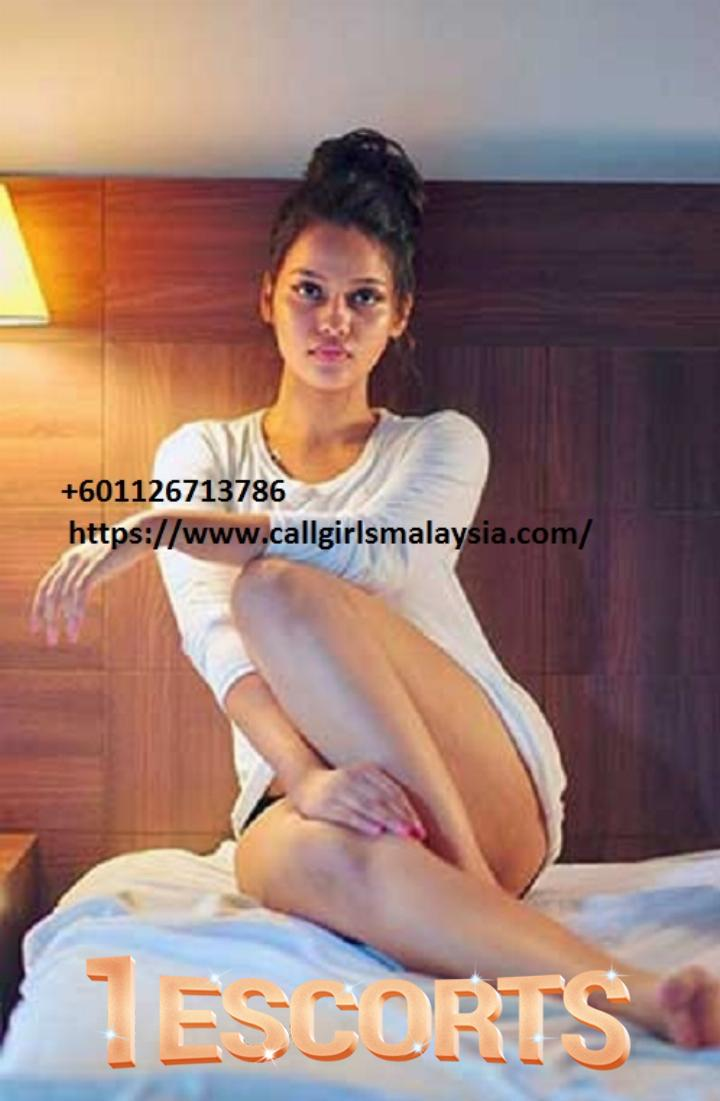 Omisha VIP Indian Escort  -2