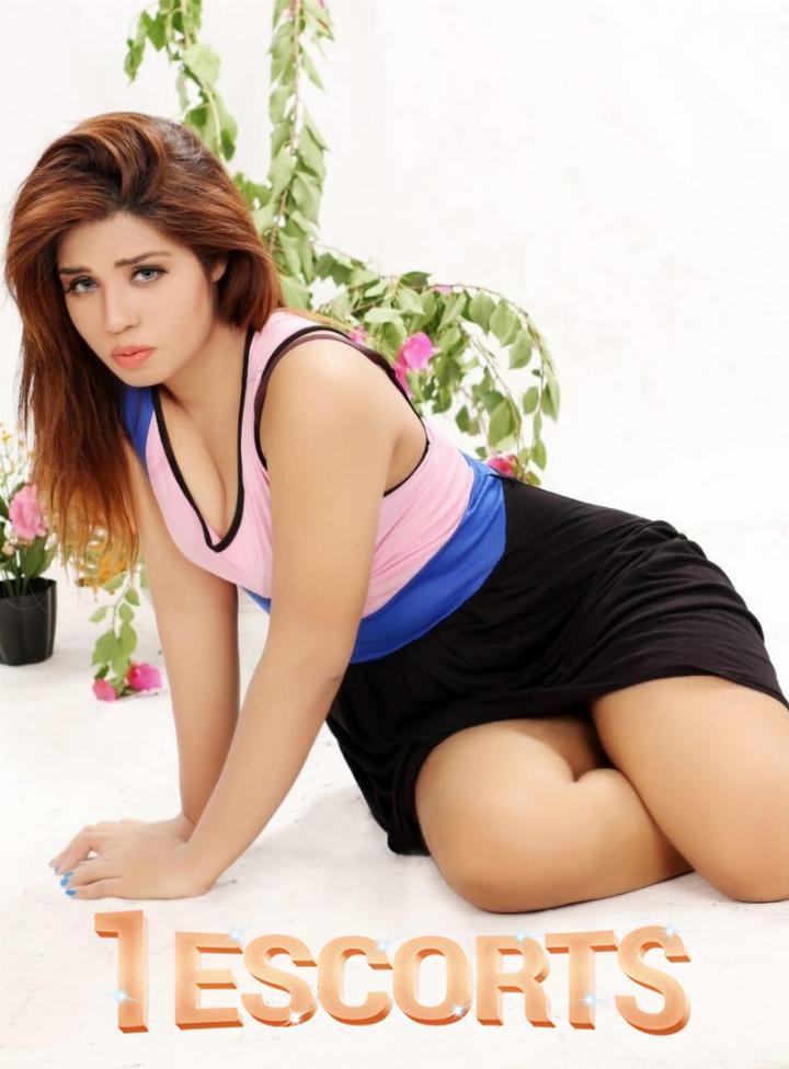 Aysha Shah -3