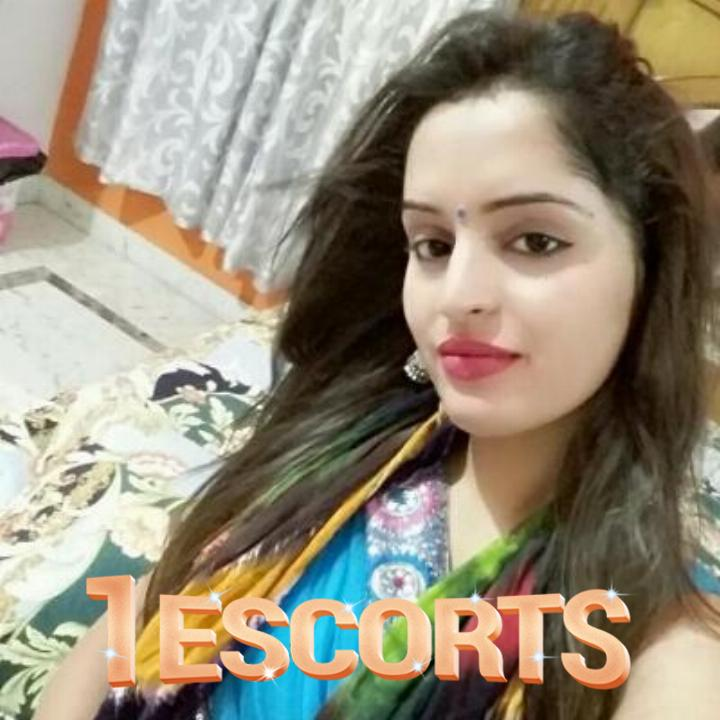 LIVE NUDE CAM SEXBOOB SHOW   FINGERING WITH SEXY INDIAN LADY ALISHA -1
