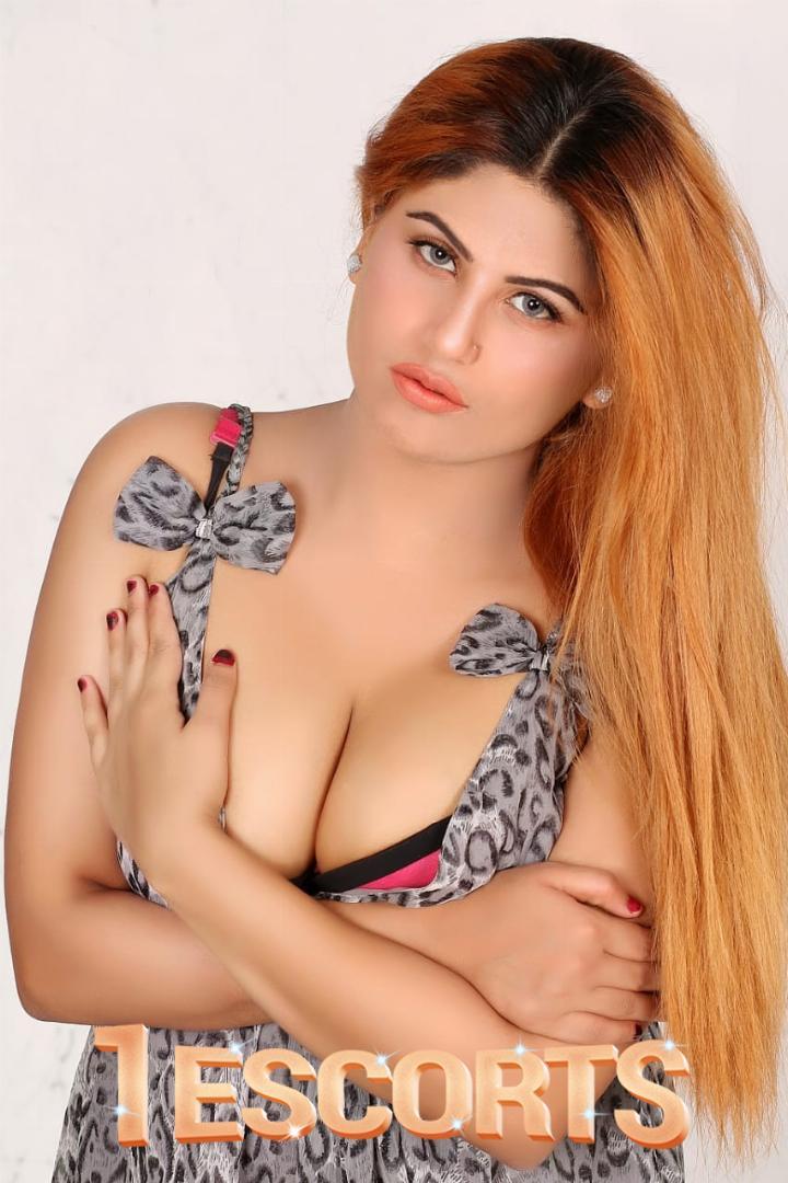 Busty Anaya -1