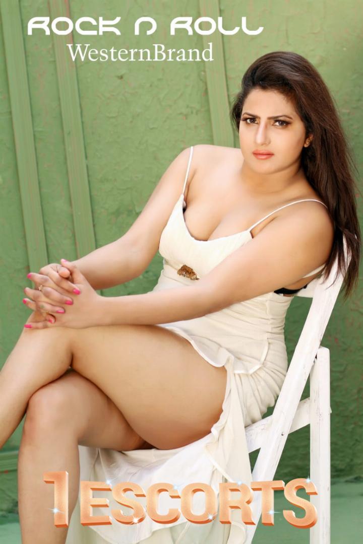 Hot Model Laila -1