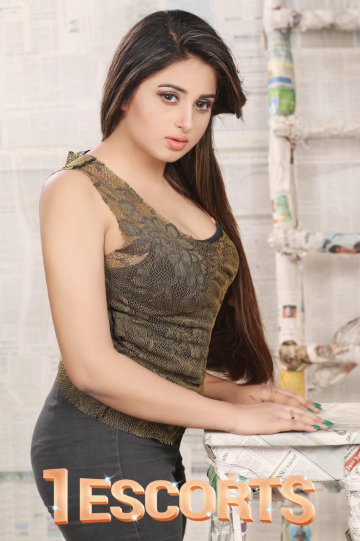 Indian Busty Escort Ayesha in Bahrain -2