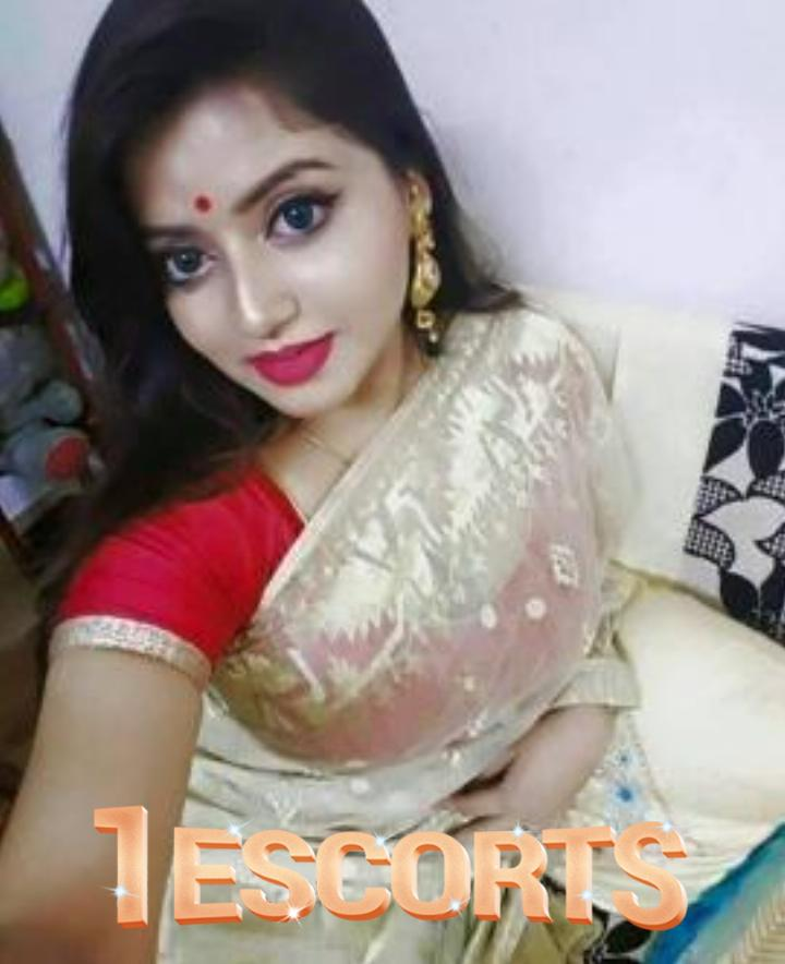 FCUK IN CAM SEXY INDIAN LADY SRUTI -1