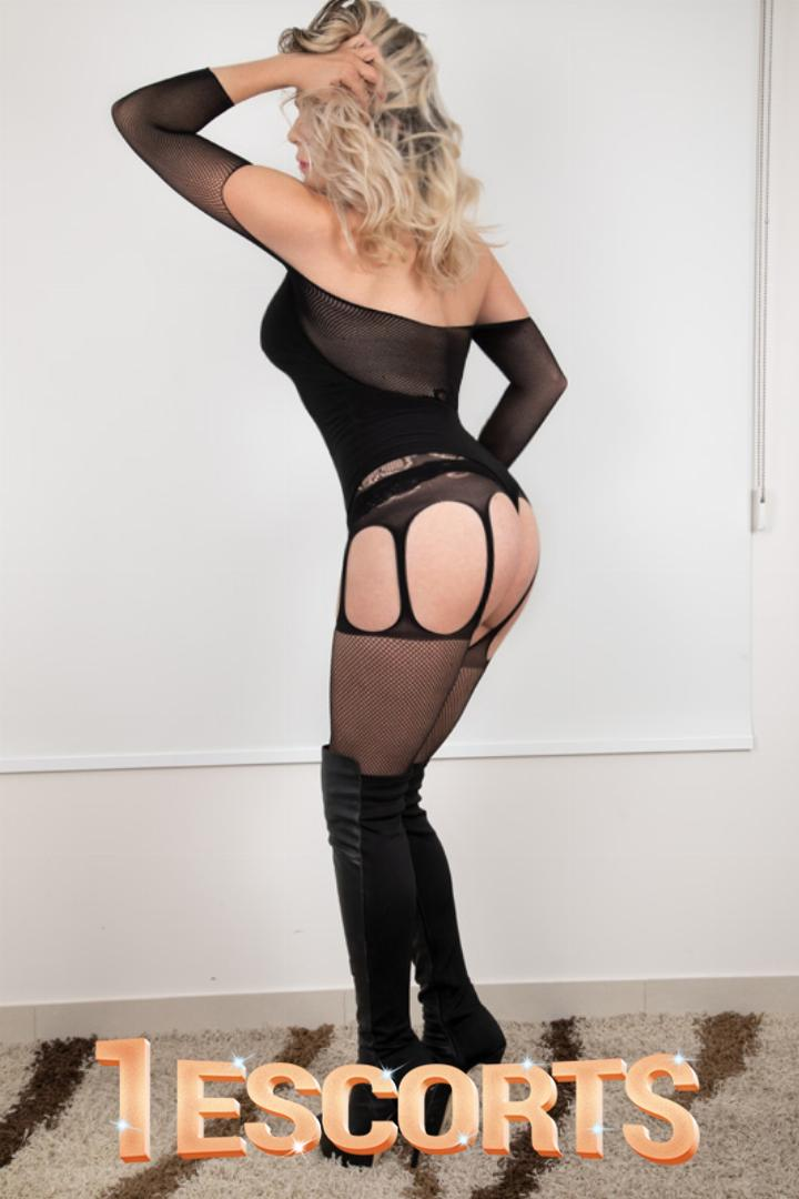 Jacqui Luxe  -2