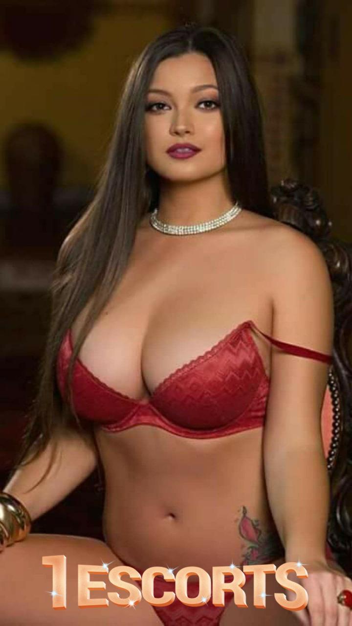 Kareena Hot Escorts in Dubai -1