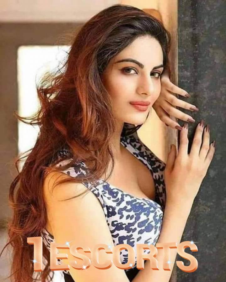 Miss Noor Malik -1