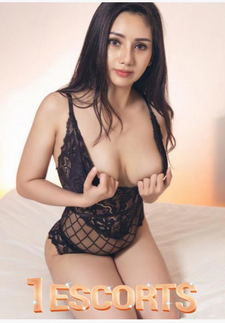 Queen Sexy Young Call Girl in Dubai -1