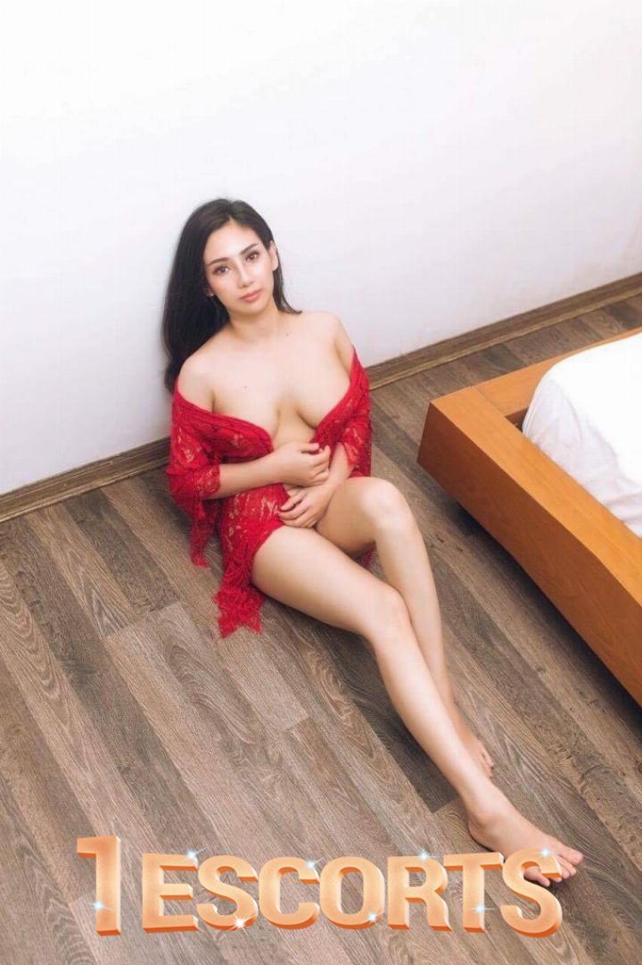 Queen Sexy Young Call Girl in Dubai -2