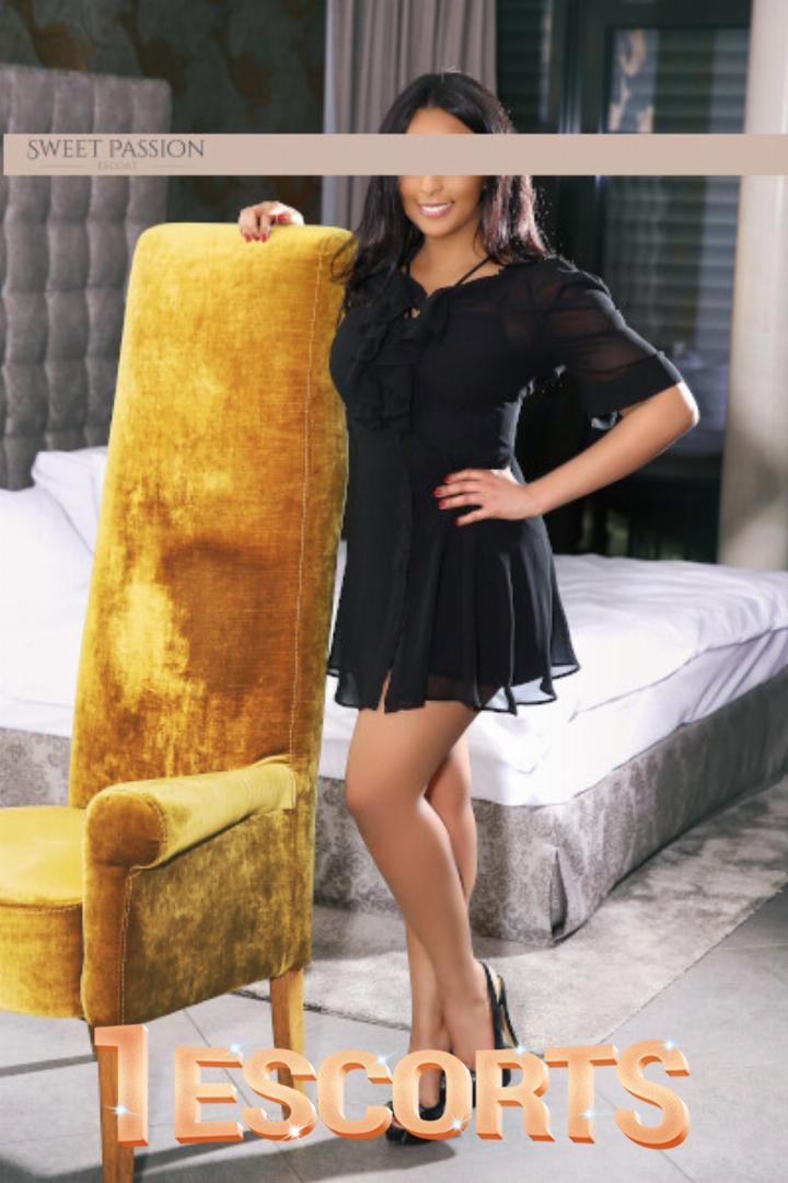 Melina Sweet Passion Escort -1