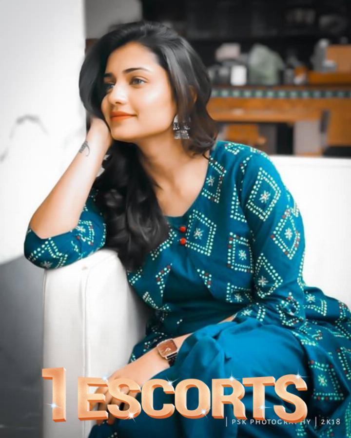 Karachi Beautiful Escorts -5