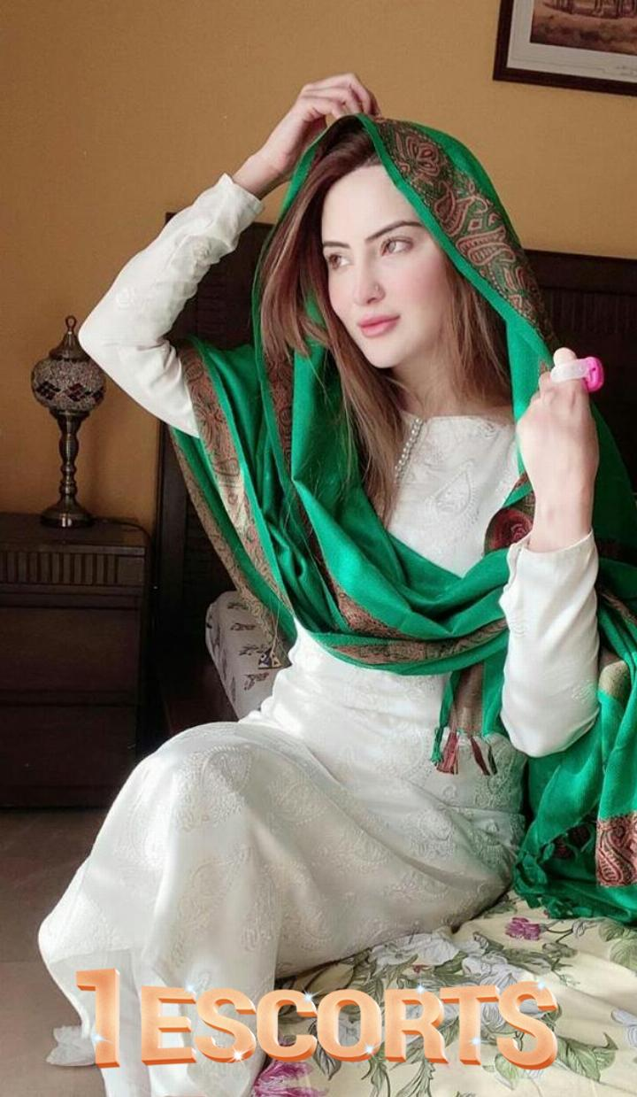 VIP Escorts Service in Karachi  -2