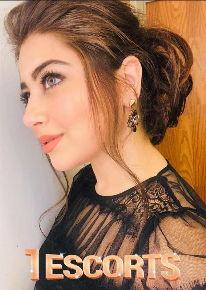 Top Actors Girls in Karachi  -2