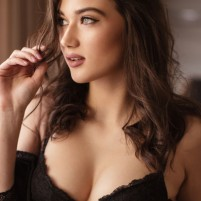 Call Rihana Khan 9967824496 Juhu Escorts now available for everything a client need to fulfil
