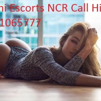 WOMEN SEEKING MEN LOCANTO HIMANSHU CALL GIRLS IN DELHI SAKET