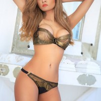 young ladies Escorts in Muscat