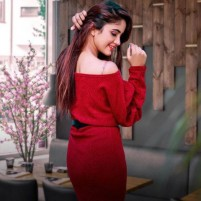naima hot karachi escort